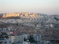 Вид с Палестинской территории (Вифлеем) на Иерусалим вечер.