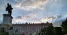 Ну а вечером наступило время идти на концерт. Мадридский Королевский оперный театр выходит фасадом на Plaza del Oriente у королевского дворца. Успела немного ...