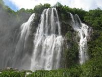 Самый большой водопад (80 метров)