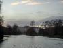 Уже примерно с середины парка хорошо виден Букингемский дворец.