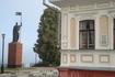 памятник Александру Невскому на набережной Революции