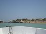 вот на таком суденышке вы и поедете бороздить каналы Египетской Венеции-Эль Гуны