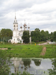 храм на другом берегу реки Вологда (Напротив Кремля)