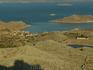 К началу 19-ого столетия, когда проблема пиратства отступила, население двинулось к морю, к прекрасному амфитеатру Emborio, который существует и сегодня ...