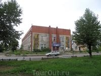 Спортивная школа, расположена где то на окраине Тутаева (Борисоглебская сторона)