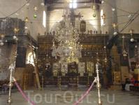 Внутри Храма Рождества Христова.