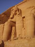 Знаменитый Абу-Симбел - один из Рамзесов.