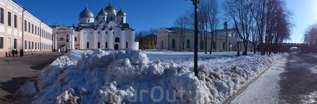 кремль- к реке