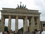 А вот и Бранденбургские ворота... Людей было очень много, в субботу сюда приезжают туристы из соседних городов