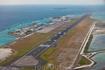 Остров-аэропорт, взлетно-посадочная полоса.