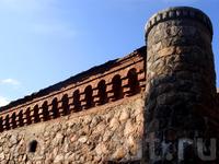 Южная стена с бойницами...