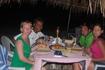 ужин в шэке на берегу океана