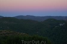 Закат в горах, Эгейское побережье. Горы похожи на застывшие волны