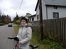 Велосипедная прогулка по финскому посёлку (рядом с нашим отелем).За 2 часа мы увидели 2-х человек-мальчишку на велике и дедулю,убиравшего листья на участке ...