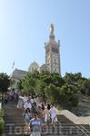 Приехали к собору Нотр-Дам-де-ля-Гард. Начинается подъем и осмотр этого архитектурного шедевра.