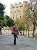 Самая высокая башня замка носит имя  короля Кастилии Хуана II, при правлении которого было начато ее строительство. Сверху на башне - смотровая площадка ...