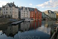 Из всех Норвежских городов Олесунн нам понравился больше всего.