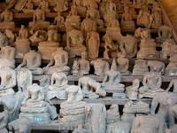 Здесь собраны изображения Будд,пострадавшие от бирманцев в глубокой древности