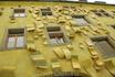 Художественный пассаж (Kunsthofpassage). Дома интересные, но такое впечатление, что это латинско-китайский квартал. Внутри китайские сувенирный лавки и ...