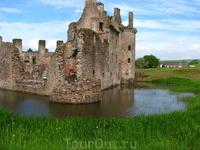 з-к Карлвелок, самый Южный з-к Шотландии, англичане разрушили его основательно