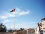 Флаг арабской революции занесен в Книгу рекордов Гиннеса как самый большой в мире. Его размер 60 на 30 м, а высота флагштока 136 м. Виден он с любой точки ...