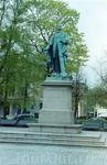 Памятник...не помню, кому