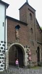 Средневековый город Цонс, сейчас район города Дормагена, расположен на левом берегу Рейна между Кельном и Дюссельдорфом.Старый город представляет собой ...