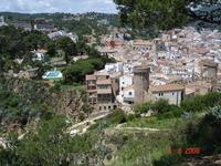 Вид на Тоссу сверху с крепости.
