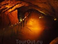 В пещере.Подземный мост- эстакада..