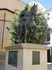 На одной из небольших площадей обнаружился памятник королю Альфонсо VIII, который освободил город от мавров в 1177 году.