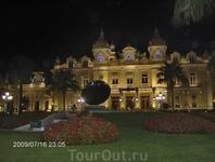 Монако ночью