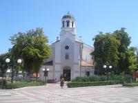 церковь на центральной улице