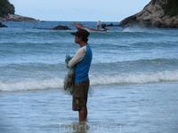 Ожидающий.. то ли погоды с моря, то ли улова