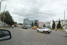 Выезжаем из Вологды, едем на юг. Цель была посмотреть Кострому, а потом уже остановиться в Ярославле, потому едем через Данилов в Ярославль. Далее через ...