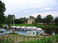 Пристань на реке в черте города