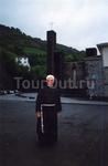 Пастор из монастыря на границе Испании и Франции, предоставившего ночлег