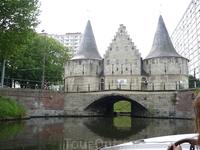 """"""" Работ""""- фортификационная плотина 15  века,построенная  как  монумент  победы  в войне  против  Максимилиана  Австрийского.  Раньше, когда  открывались ..."""