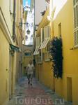 Старый город расположен на скалистом мысе Сент-Антуан. Здесь запрещено селиться иностранцам.