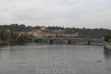 Прага. Вид с Карлова Моста не на Пражский Град...