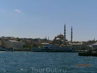 Вид на Новую мечеть.