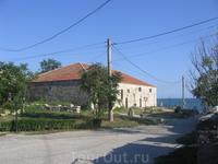 частный дом - памятник архитектуры на берегу
