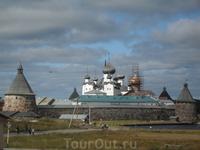 Соловецкий монастырь, удалось заснять самолет нашего Патриарха, во время посещения  Карелии был большой православный праздник, и не все удалось посмотреть ...