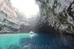 и снова Мелиссани, обвалившийся купол пещеры с озером- обязательно к посещению!!!