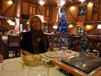 ресторан в центре города вскусно, красиво - но хамят и официант подходит раз в час