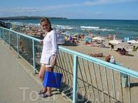 Пляж днём