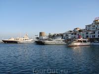 Марбелья, Пуэрто Банус, пристанище яхт олигархов