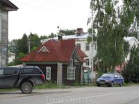 Домик, в котором находился магазин местной керамики. К сожалению закрытый!