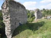 часть стены замка в Скале-Подольской