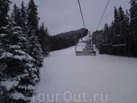 На учебной трассе для слалома №8 в будний день ....           http://bukovel.com/