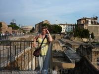 Прекрасная панорама, не правда ли? Римский форум.. Колизей..
